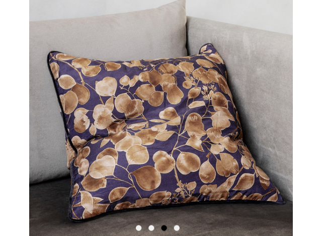 Cushion Leaf purplegold 50x50