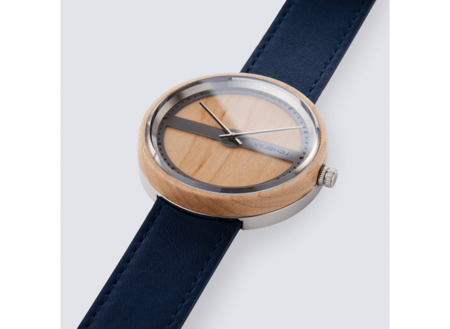 Wood watch, Nautic 70, light