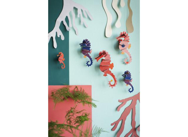 Totem Sea Horses Wall